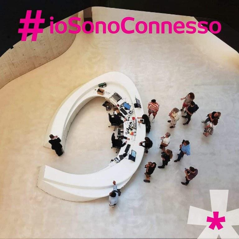 2417-2017-After-Grafica-Canali-Social-iosonoconnesso-immagini252-1024x1024.jpg